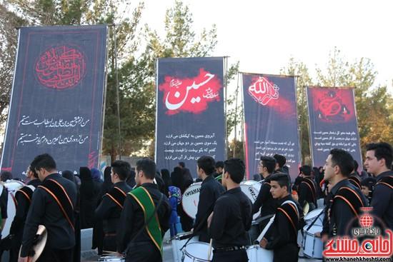 پرچم حرم امام حسین(ع) بر فراز گنبد مسجد صاحب الزمان (عج)هیئت کاظمیه رفسنجان (۱۵)