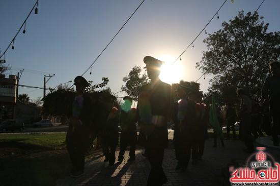 پرچم حرم امام حسین(ع) بر فراز گنبد مسجد صاحب الزمان (عج)هیئت کاظمیه رفسنجان (۲)