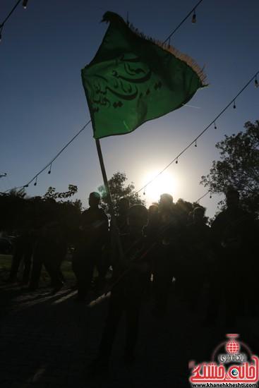 پرچم حرم امام حسین(ع) بر فراز گنبد مسجد صاحب الزمان (عج)هیئت کاظمیه رفسنجان (۳)