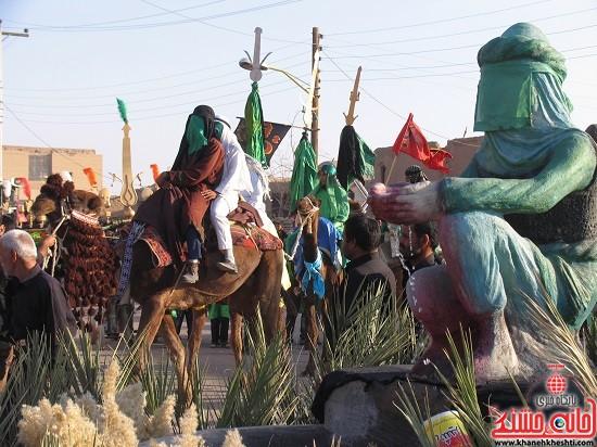 تصاویر/ حرکت نمادین کاروان امام حسین (ع) در بخش فردوس