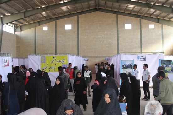 تصاویر / ارائه خدمات رایگان بیمارستان صحرایی در روستای عرب آباد رفسنجان