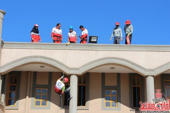 مانور زلزله رفسنجان-خانه خشتی (۱)