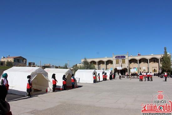 مانور زلزله رفسنجان-خانه خشتی (۴)