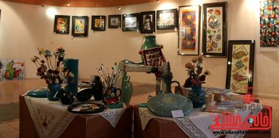 نگارخانه کویر رفسنجان میزبان ۱۲ هنرمند کشوری است