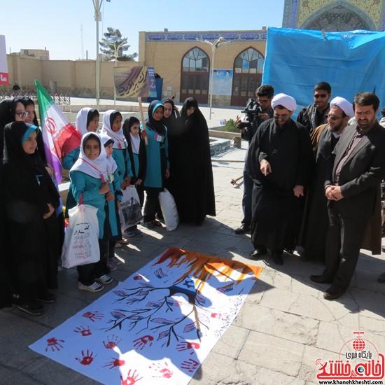 یوم الله ۱۳ ابان در رفسنجان-خانه خشتی (۴)