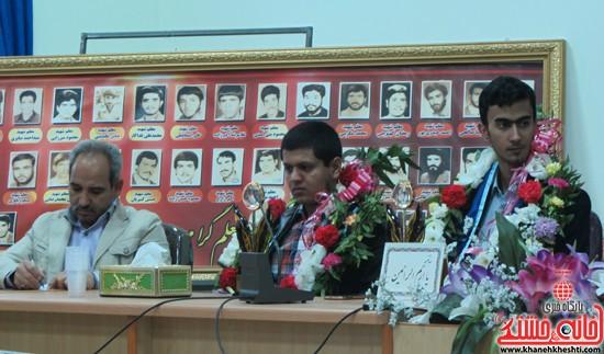 استقبال از برگزیده های جشنواره خوارزمی در رفسنجان (۴)