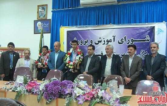 استقبال از برگزیده های جشنواره خوارزمی در رفسنجان (۵)