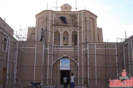 بازدید استاندار کرمان از خانه خشتی (۱)