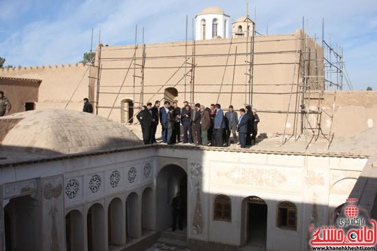 بازدید استاندار کرمان از خانه خشتی (۵)
