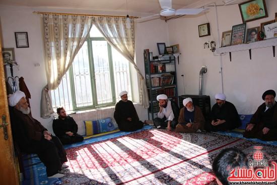 بازدید ایت الله خاتمی از منزل حجت السلام غروی  (۲)