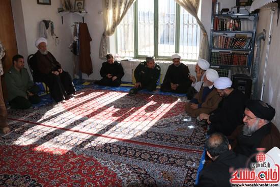 بازدید ایت الله خاتمی از منزل حجت السلام غروی  (۳)