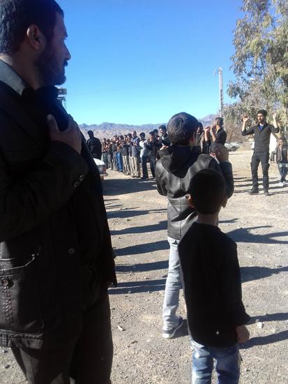 عزاداری و خواندن زیارت اربعین در گلزار شهداء احمدآباد دئفه کشکوئیه (۲)