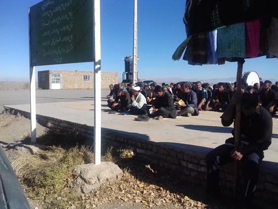 عزاداری و خواندن زیارت اربعین در گلزار شهداء احمدآباد دئفه کشکوئیه (۶)