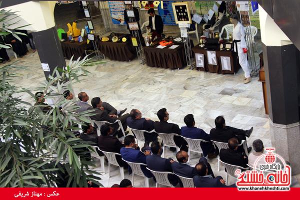 نمایشگاه دستاوردهای علمی قهرمانان دانشگاه آزاد رفسنجان-خانه خشتی (۵)