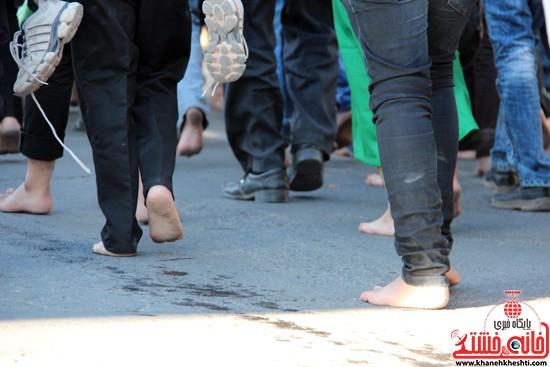 پیاده روی اربعین حسینی با حضور کاروان رهپویان کربلا در رفسنجان (۱)