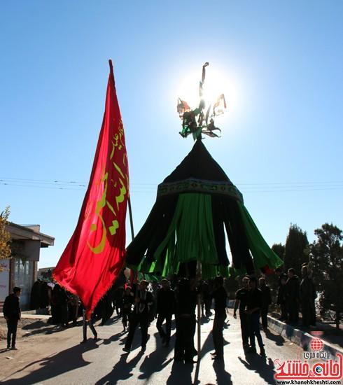 پیاده روی اربعین حسینی با حضور کاروان رهپویان کربلا در رفسنجان (۱۳)