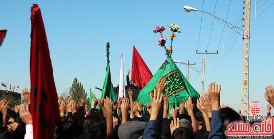 پیاده روی اربعین حسینی با حضور کاروان رهپویان کربلا در رفسنجان (۱۶)