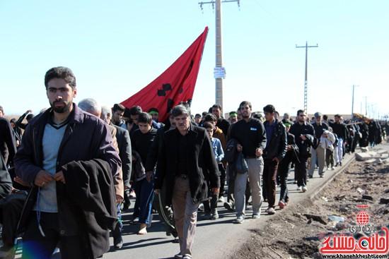 پیاده روی اربعین حسینی با حضور کاروان رهپویان کربلا در رفسنجان (۱۷)