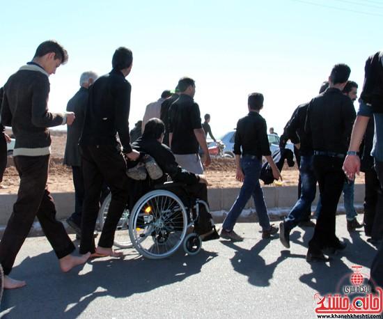 پیاده روی اربعین حسینی با حضور کاروان رهپویان کربلا در رفسنجان (۱۹)