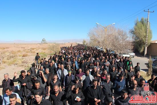 پیاده روی اربعین حسینی با حضور کاروان رهپویان کربلا در رفسنجان (۲۰)