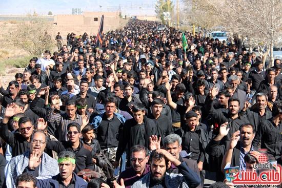 پیاده روی اربعین حسینی با حضور کاروان رهپویان کربلا در رفسنجان (۲۱)