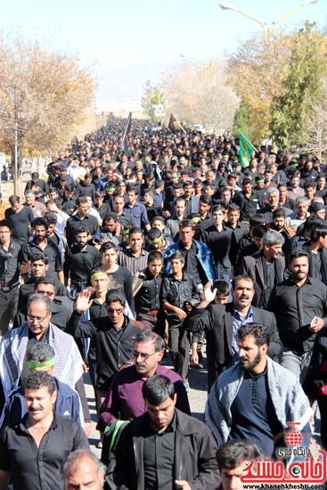 پیاده روی اربعین حسینی با حضور کاروان رهپویان کربلا در رفسنجان (۲۲)