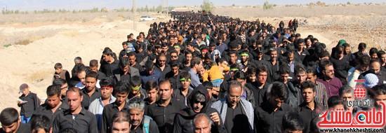 پیاده روی اربعین حسینی با حضور کاروان رهپویان کربلا در رفسنجان (۲۷)