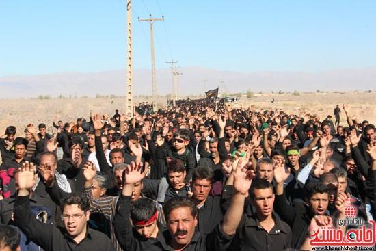 پیاده روی اربعین حسینی با حضور کاروان رهپویان کربلا در رفسنجان (۲۸)