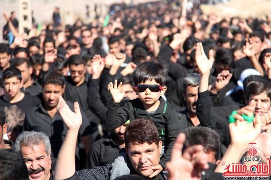 پیاده روی اربعین حسینی با حضور کاروان رهپویان کربلا در رفسنجان (۲۹)