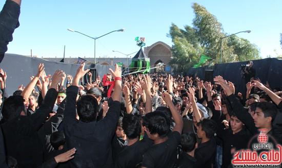 پیاده روی اربعین حسینی با حضور کاروان رهپویان کربلا در رفسنجان (۳۲)