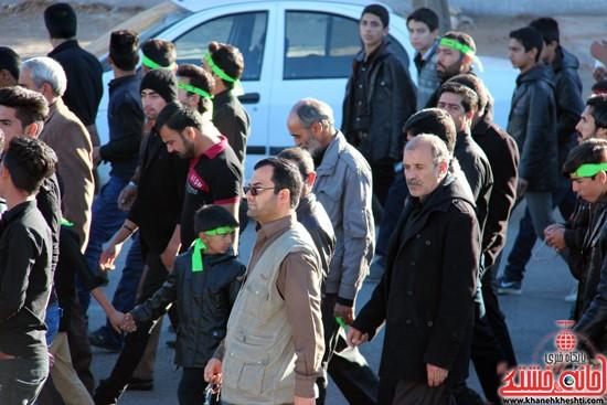پیاده روی اربعین حسینی با حضور کاروان رهپویان کربلا در رفسنجان (۶)
