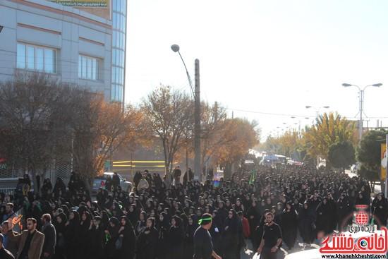 پیاده روی اربعین حسینی با حضور کاروان رهپویان کربلا در رفسنجان (۷)