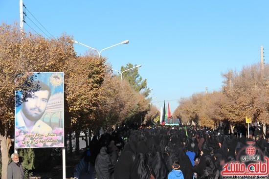 پیاده روی اربعین حسینی با حضور کاروان رهپویان کربلا در رفسنجان (۹)