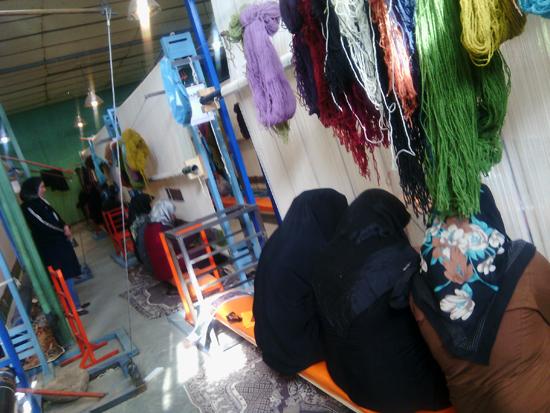 فرشی با تمام آرزوها برای امام علی (ع) / تصاویر