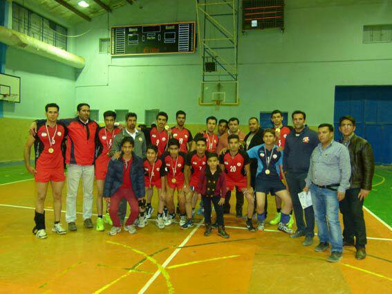 تیم سرداران شهید قهرمان مسابقات والیبال باشگاه های دسته اول رفسنجان شد