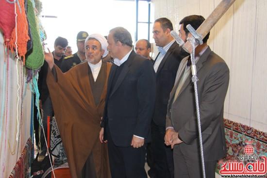 بازدید استاندار از کارگاه قالی در رفسنجان-خانه خشتی (۲)