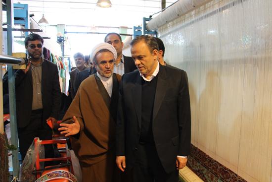 ۵۰هزار متر فرش توسط قالی بافان استان برای صحن حضرت زهرا (س) بافته می شود