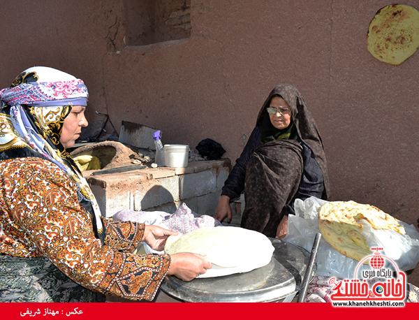 جشنواره نان، حرکت و برکت در رفسنجان-خانه خشتی (۹)