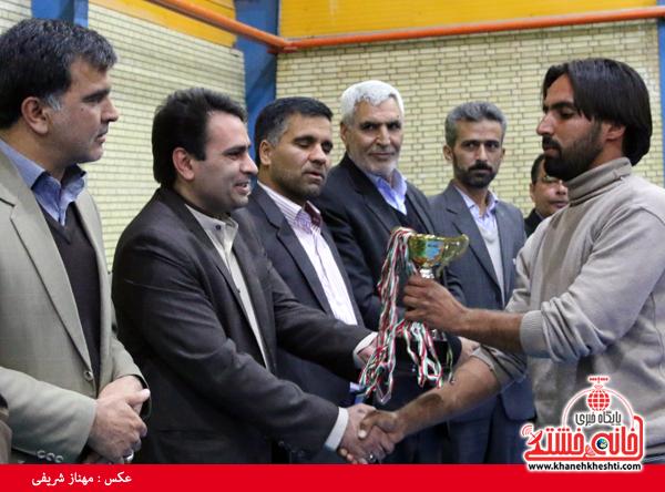 مسابقات ورزشی کارگران رفسنجان-دهه فجر- خانه خشتی (۱۲)