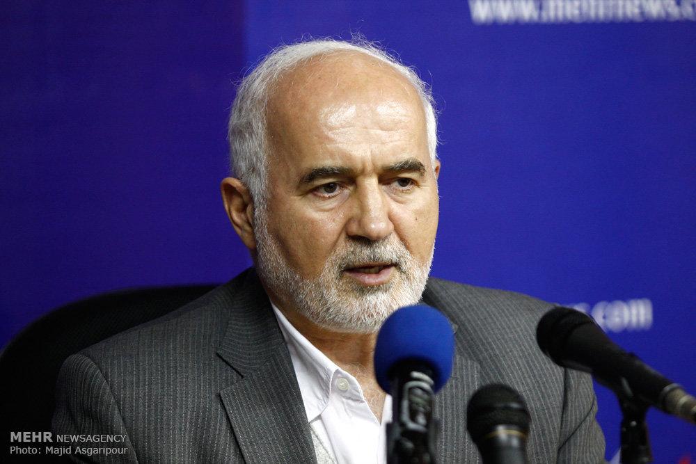 نادران: «دولت وعده» با شعار و پنهان کاری قادر به حل مشکلات نیست/ توکلی: قراردادهای جدید نفتی منافع عجیبی برای طرف خارجی دارد
