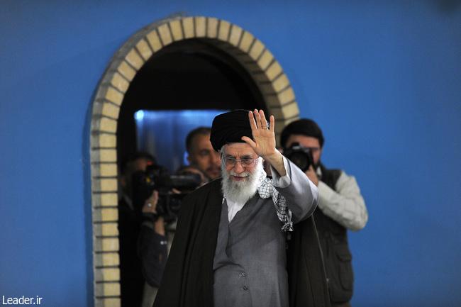 هزاران نفر از مردم نجف آباد با رهبر معظم انقلاب اسلامی دیدار کردند
