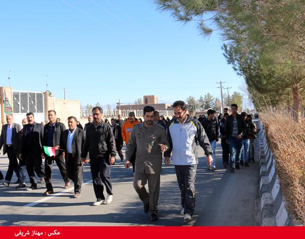 همایش پیاده روی در روستای قاسم آباد رفسنجان برگزار شد / تصاویر
