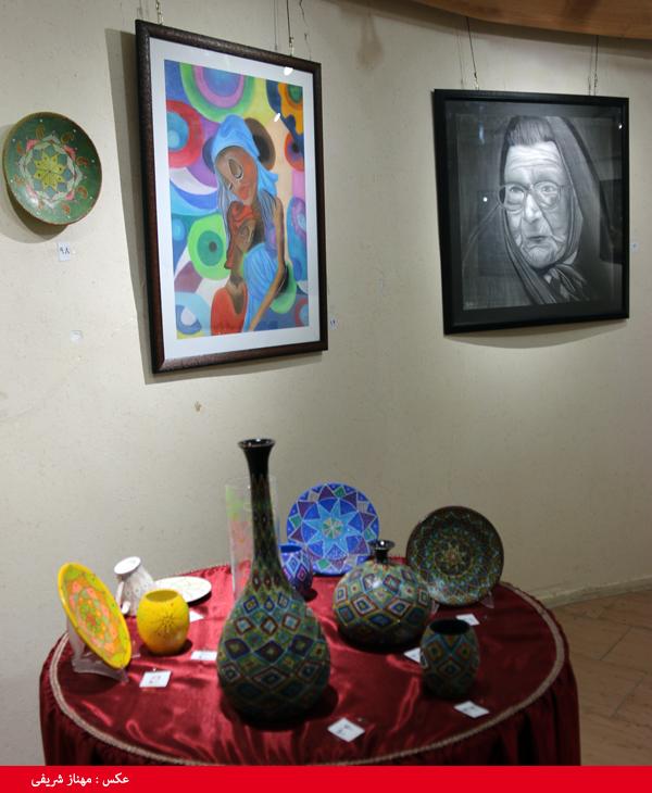 برپایی نمایشگاه گروهی نقاشی و صنایع دستی در نگارخانه فرهنگ/ تصاویر