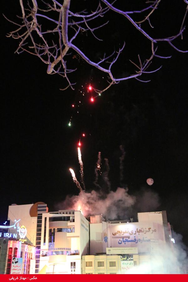 نورباران آسمان رفسنجان در شب ۲۲ بهمن / تصاویر