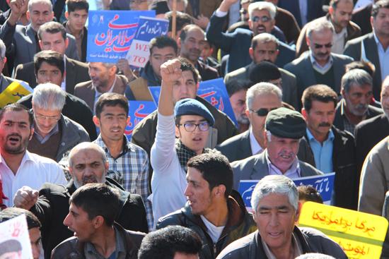 شکوه حضور مردم رفسنجان در راهپیمایی ۲۲ بهمن در قاب دوربین خانه خشتی