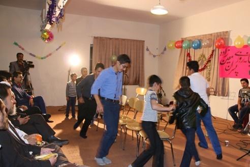 تصاویر / شادی دانش آموزان  پرورشگاه شبانه روزی پسرانه معین زاده در جشن تولدشان