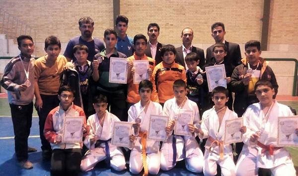 انجمن شوتوکان jks رفسنجان در مسابقات استانی مقام سوم را کسب کرد