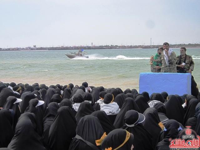 بازدید دانشجویان دختر بسیجی از مناطق عملیاتی جنوب_خانه خشتی_رفسنجان_ بهناز شریفی (۱۲)