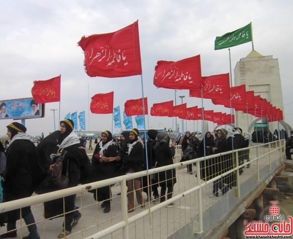 بازدید دانشجویان دختر بسیجی از مناطق عملیاتی جنوب_خانه خشتی_رفسنجان_ بهناز شریفی (۱۳)