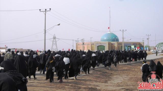 بازدید دانشجویان دختر بسیجی از مناطق عملیاتی جنوب_خانه خشتی_رفسنجان_ بهناز شریفی (۱۶)